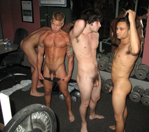 straight-friends-naked-gym